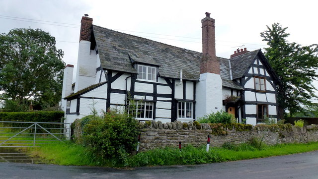 Fine mediaeval house at Bridge Sollers