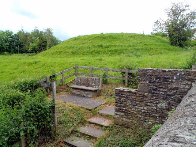 Stone bench and an ancient motte, Hay-on-Wye