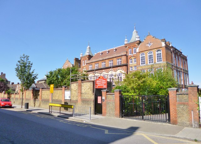 Brixton Hill, primary school