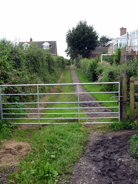 Path up to Minge Lane from the Ham