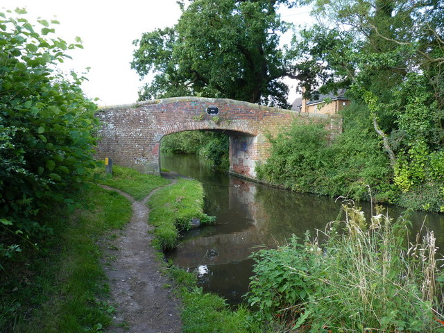 Lyne Hill bridge over the Staffs & Worcs canal
