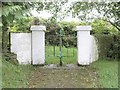 X1587 : Turnstile gateway to St. Declan's Well by Hywel Williams