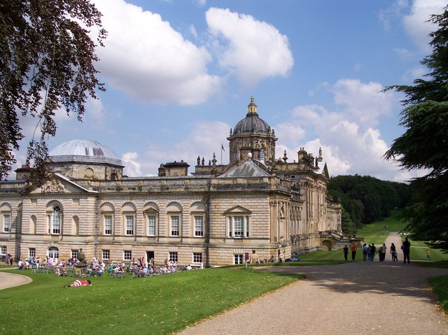 Al Fresco dining at Castle Howard