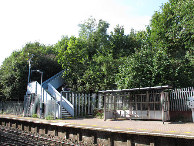 Swanscombe station, down platform