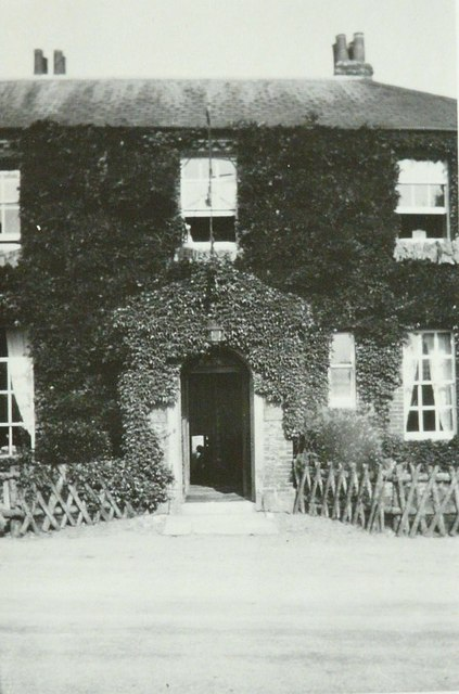 Front entrance to The Goodwood Hotel in 1933