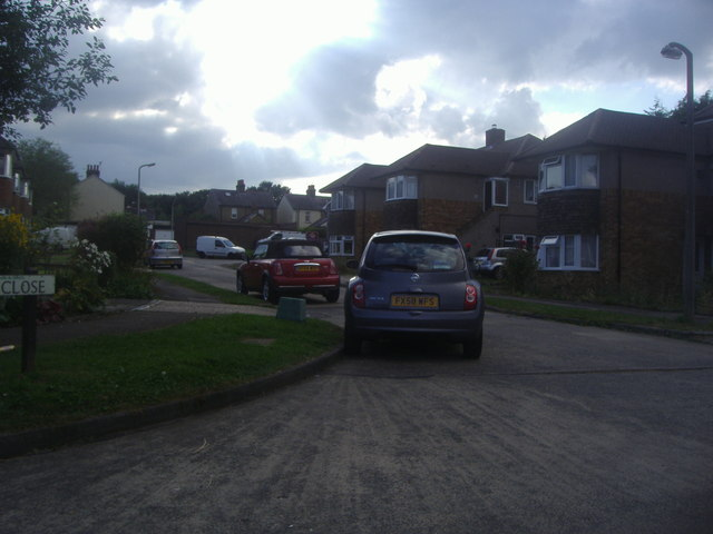 Willis Close, Epsom