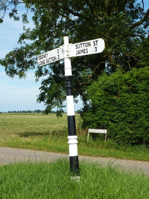 Hunt's Gate fingerpost