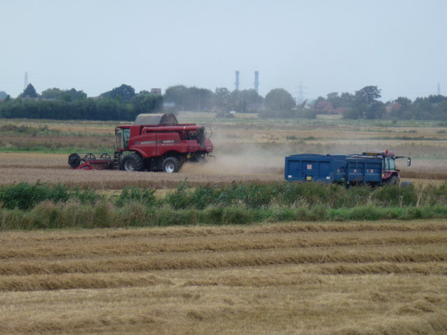 Combine harvester on Cowbit Wash near Spalding