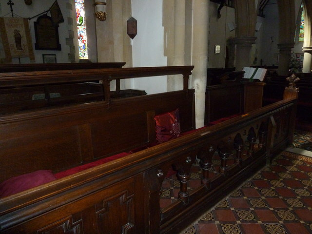 Inside Holy Trinity, Bembridge (v)