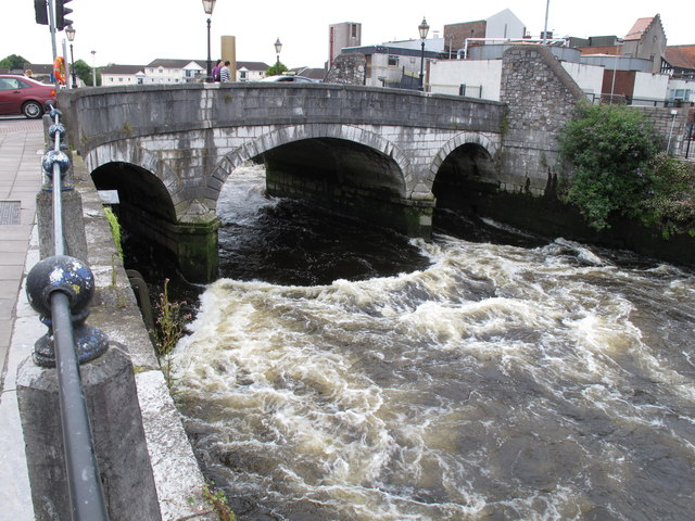 South Gate Bridge over a turbulent River Lee