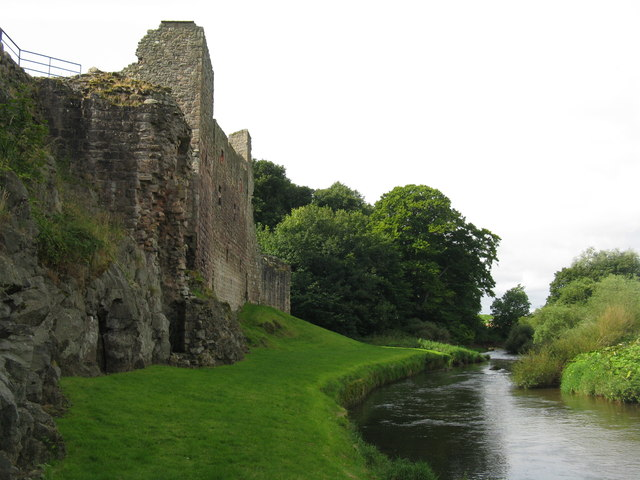 The River Tyne at Hailes Castle