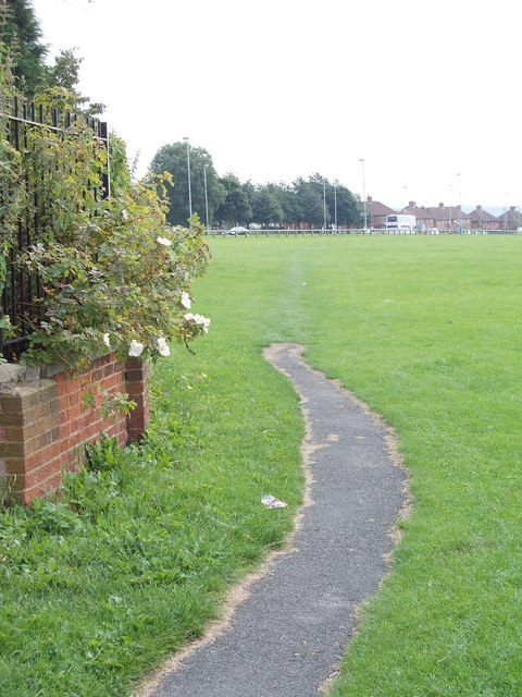 Footpath across Playing Fields - end of Potternewton View