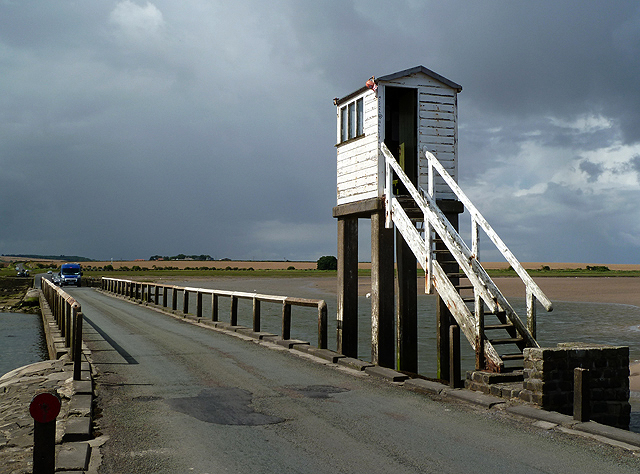 A refuge hut on Lindisfarne Causeway © Walter Baxter cc-by ...