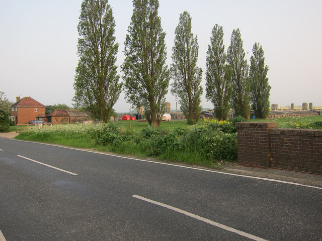 Poultry houses by Swavesey Road