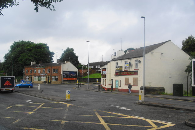 Pubs at the bottom of Wardle Road