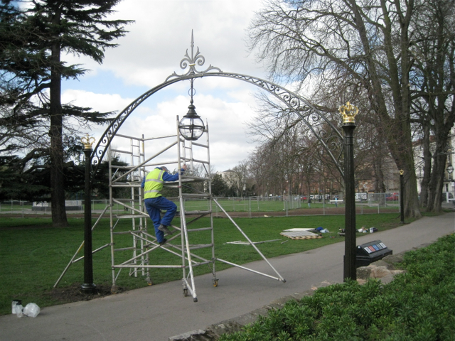 Painting the restored arches, Linden Walk