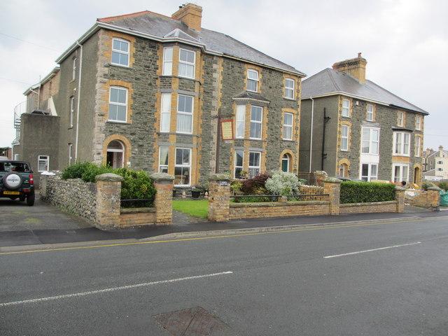 Monfa Guest House