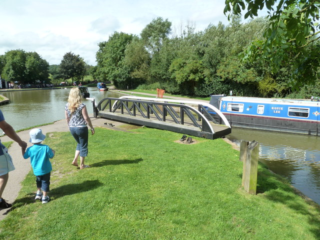 Bridge 1, Grand Junction Canal (LNUC) - Market Harborough Arm