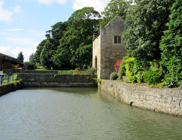 The Moat and Gatehouse, Markenfield Hall