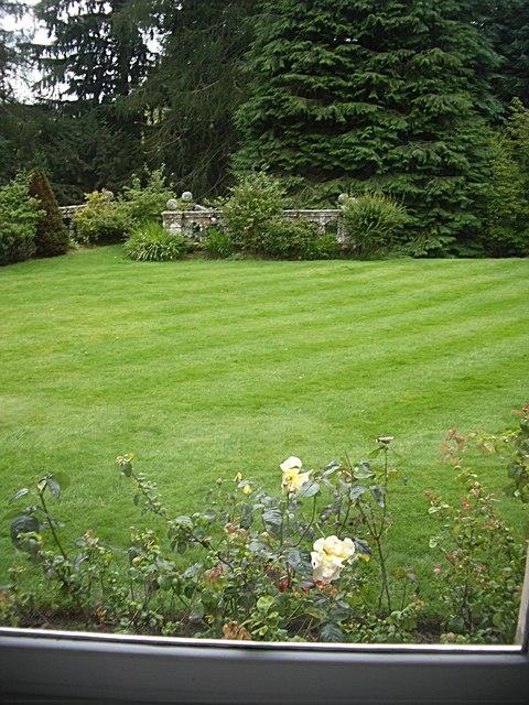 Kildrummy Castle Hotel lawn