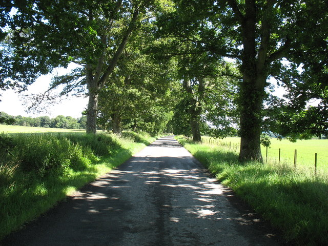 The B8063 approaching Harrietfield
