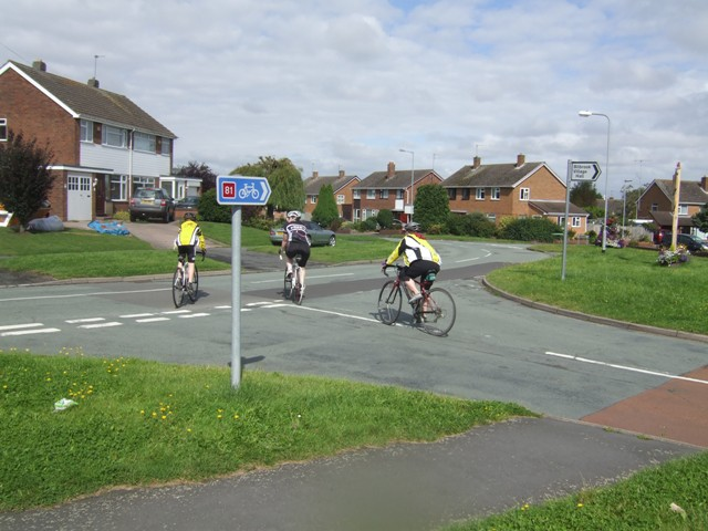 Cyclists on NCN 81