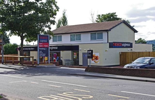 Tesco Express (formerly the Old Bear), 70 Stourbridge Road, Kidderminster