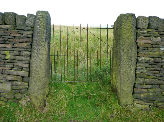 Gate next to Ripponden Footpath 62