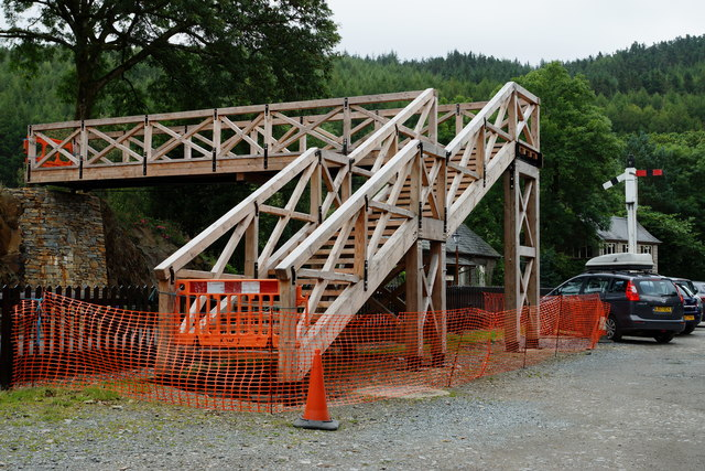 New Footbridge at Tan-y-Bwlch Station