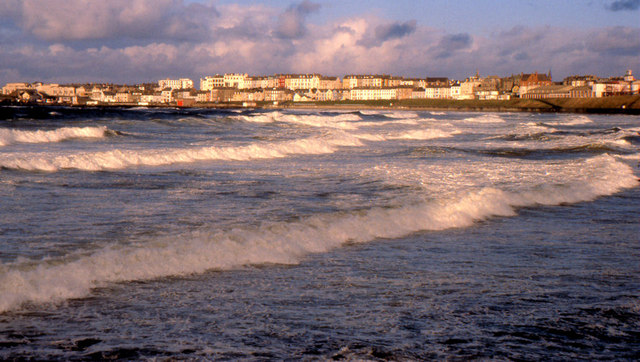Winter waves at Portrush