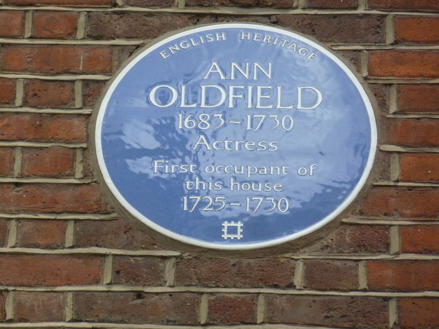 Blue plaque in Grosvenor Street (b)