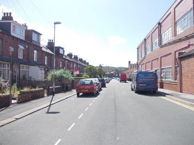 Oakhurst Avenue - Oakhurst Road