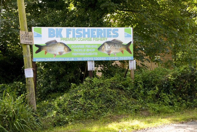Coarse fishery entrance