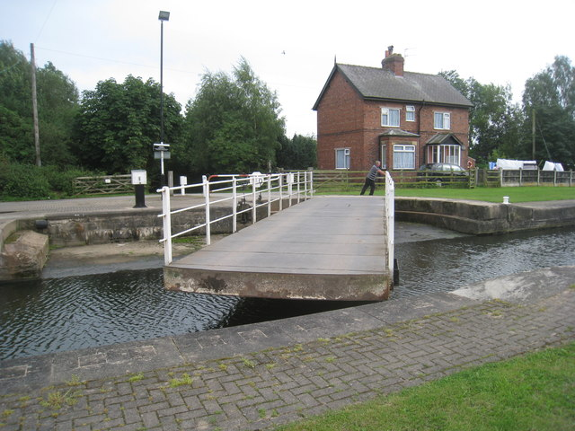 Sykehouse swing bridge