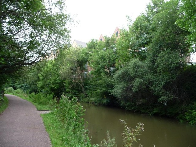 Canalside flats, Tapton Lock Hill