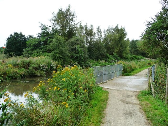 Bridge over overflow weir, Chesterfield Canal
