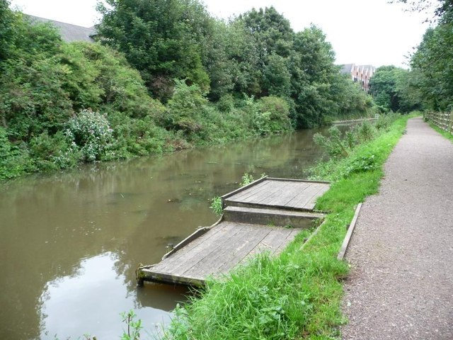 Double anglers' platform, Chesterfield Canal
