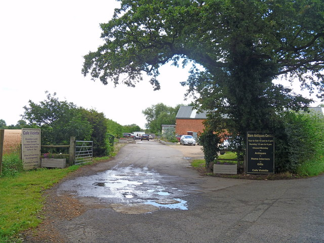 Barn Antiques Centre [2]
