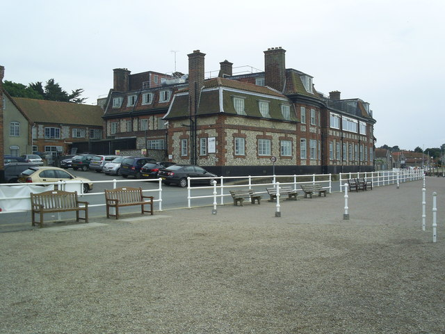 Blakeney Hotel from the Quayside
