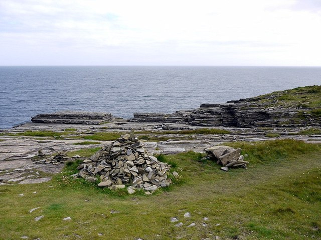 Rocky shore south of Brough of Deerness