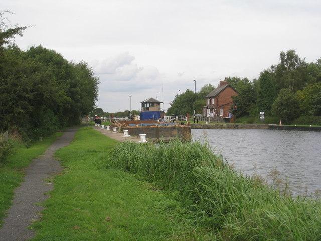 Sykehouse Lock (2)