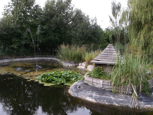 Ornamental Duck Pond, Langthorn Park