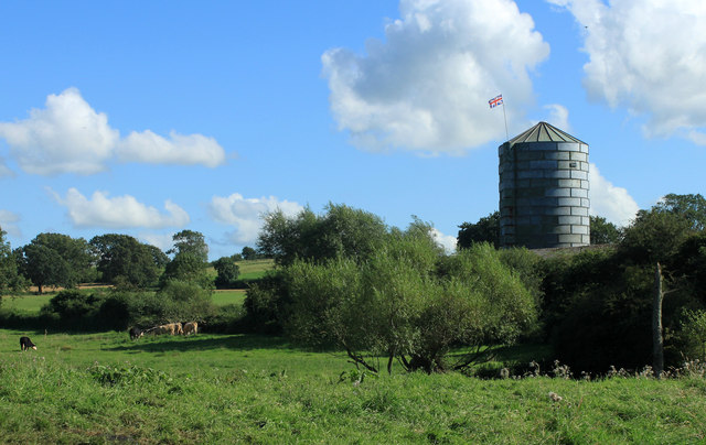 2012 : Silo at Woodbarn Farm
