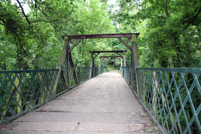 Green Chain Walk:  Cox's Walk footbridge