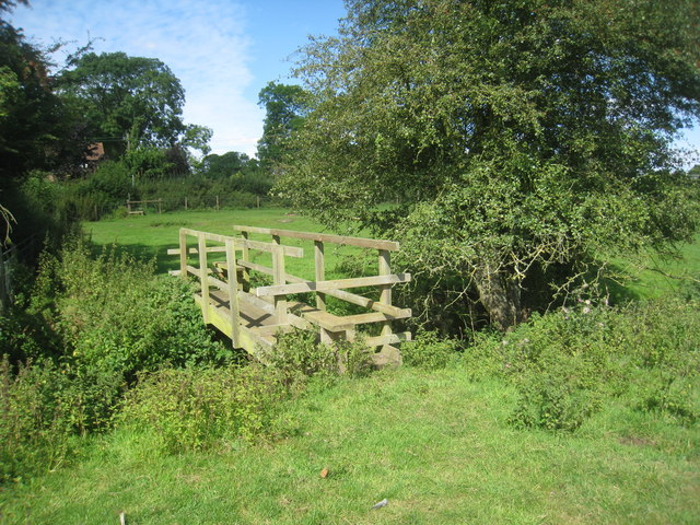 Footbridge and stiles near Walcot