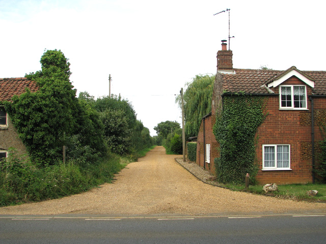 Public footpath to Grandcourt Farm