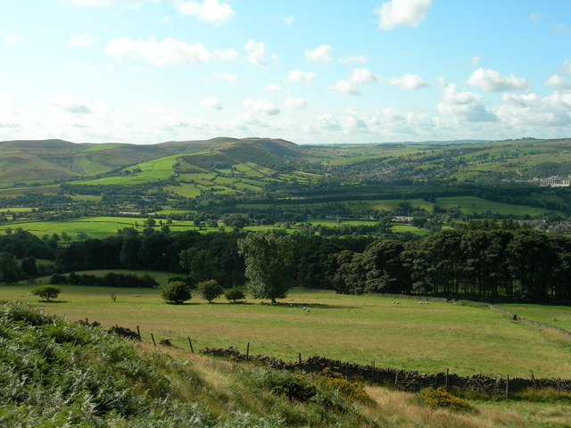 View south from the western slopes of Win Hill