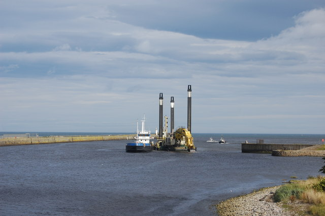 Dredging the channel, Aberdeen harbour