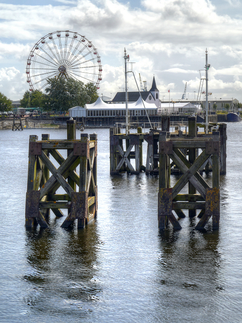 Cardiff Bay, Harbour