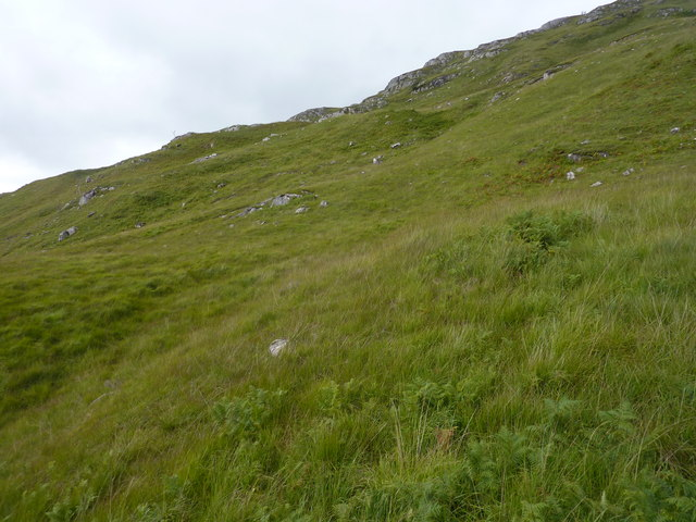 Moorland slope leading to Sron Thoraraidh